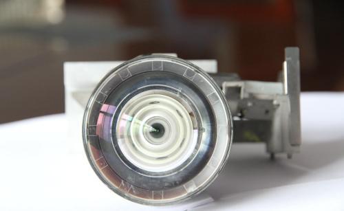 投影仪摄像镜头怎么清理?